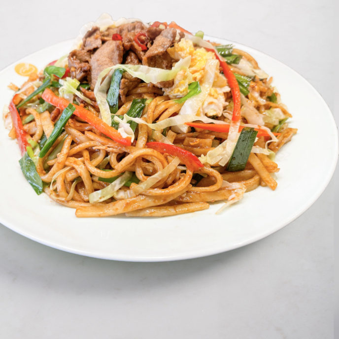 Stir-Fried Noodles with Beef 牛肉炒面